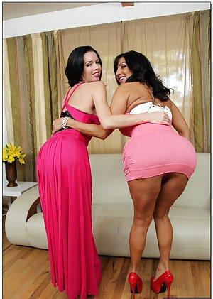Huge Lesbian Ass Pics