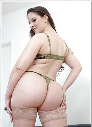 Huge Ass and Stockings Pics