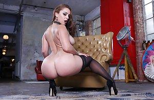 Huge Tits Round Ass Pics