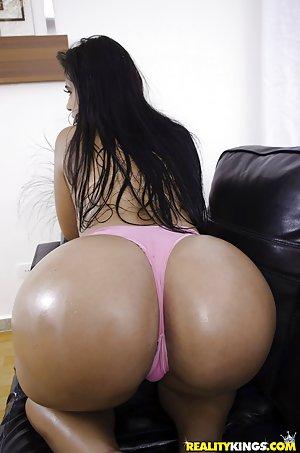 Huge Latina Ass Pics